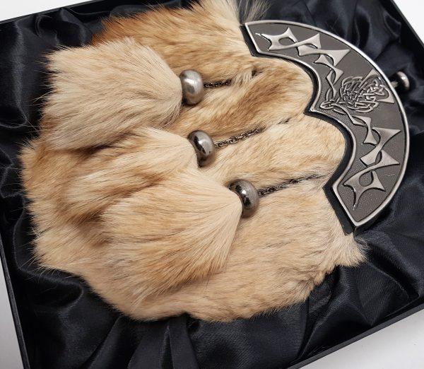 Ex Display Antique Thistle Cantle Light Fox Fur Sporran