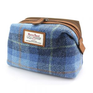 Harris Tweed Castlebay Blue Cosmetic or Washbag & Leather Trim New Line